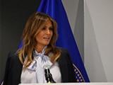 La primera dama Melania Trump aborda la cumbre de Socios Federales para la Prevención del Acoso 2018 acerca del ciberacoso
